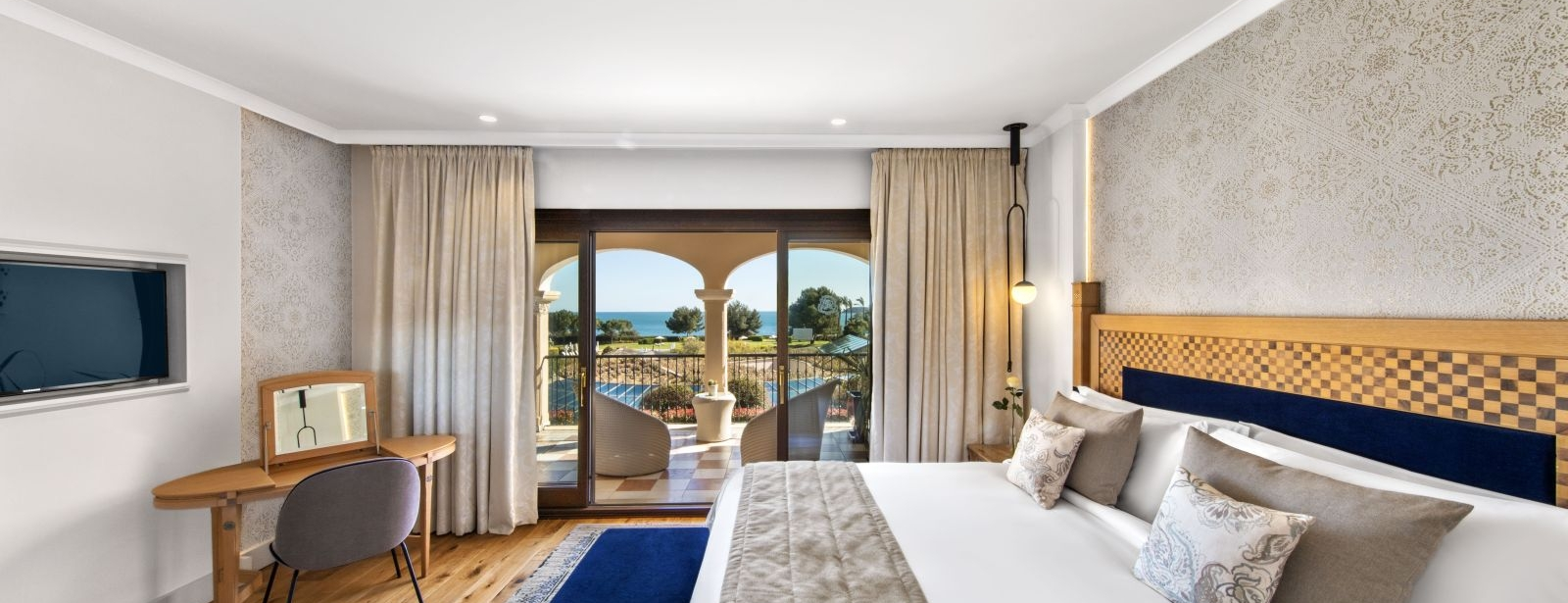 Newly refurbished Ocean Two Suite at the luxus spa resort in Mallorca The St. Regis Mardavall